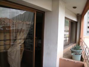 En Venta En Caracas - La Urbina Código FLEX: 19-954 No.9