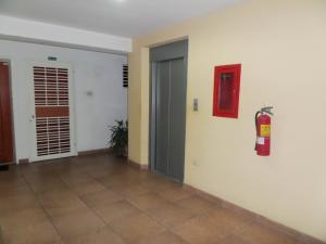 Apartamento En Venta En Maracay - Base Aragua Código FLEX: 19-980 No.4