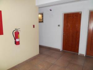 Apartamento En Venta En Maracay - Base Aragua Código FLEX: 19-980 No.5