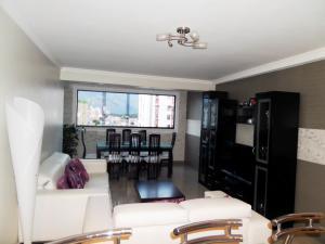 Apartamento En Venta En Maracay - Base Aragua Código FLEX: 19-980 No.14