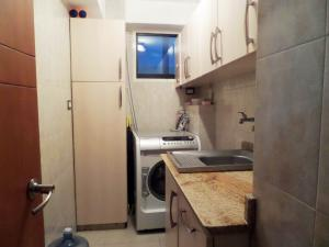 Apartamento En Venta En Maracay - Base Aragua Código FLEX: 19-980 No.17