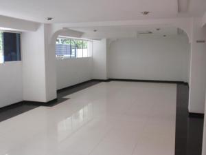 Apartamento En Venta En Maracay - Calicanto Código FLEX: 19-986 No.4