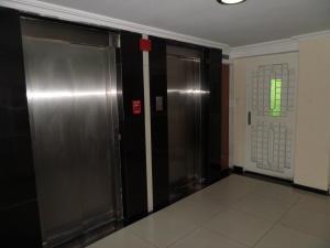 Apartamento En Venta En Maracay - Calicanto Código FLEX: 19-986 No.5