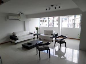 Apartamento En Venta En Maracay - Calicanto Código FLEX: 19-986 No.7