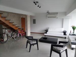 Apartamento En Venta En Maracay - Calicanto Código FLEX: 19-986 No.8