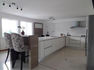 Apartamento En Venta En Maracay - Calicanto Código FLEX: 19-986 No.12