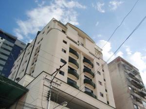 Apartamento En Venta En Maracay - El Centro Código FLEX: 19-995 No.0