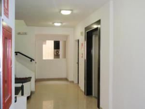 Apartamento En Venta En Maracay - El Centro Código FLEX: 19-995 No.1