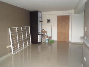 Apartamento En Venta En Maracay - Los Chaguaramos Código FLEX: 19-1010 No.4