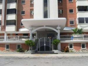 Apartamento En Venta En Maracay - Los Chaguaramos Código FLEX: 19-1013 No.1