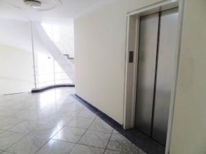 Apartamento En Venta En Maracay - Los Chaguaramos Código FLEX: 19-1013 No.5