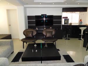 Apartamento En Venta En Maracay - Los Chaguaramos Código FLEX: 19-1013 No.12