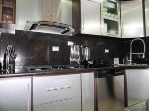 Apartamento En Venta En Maracay - Los Chaguaramos Código FLEX: 19-1013 No.16