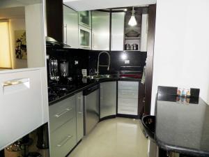Apartamento En Venta En Maracay - Los Chaguaramos Código FLEX: 19-1013 No.17