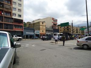 Local Comercial En Venta En Caracas - San Martin Código FLEX: 19-1037 No.1