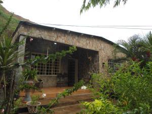 Casa En Venta En Maracay - La Pedrera Código FLEX: 19-1038 No.1