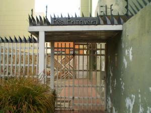 Apartamento En Venta En Maracay - San Miguel Código FLEX: 19-1040 No.2