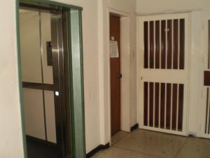 Apartamento En Venta En Maracay - San Miguel Código FLEX: 19-1040 No.7