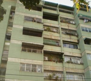 Apartamento En Venta En Maracay - San Miguel Código FLEX: 19-1040 No.0