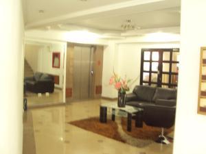 Apartamento En Venta En Maracay - San Isidro Código FLEX: 19-1092 No.2