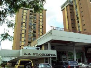 Apartamento En Venta En Maracay - La Floresta Código FLEX: 19-1132 No.0