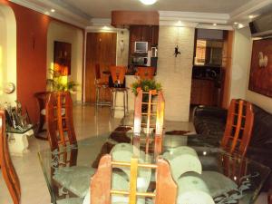 Apartamento En Venta En Maracay - La Floresta Código FLEX: 19-1132 No.2