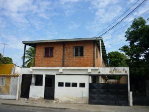 Casa En Venta En Maracay - Pinonal Código FLEX: 19-1155 No.0