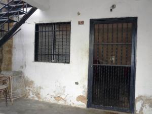 Casa En Venta En Maracay - Pinonal Código FLEX: 19-1155 No.1