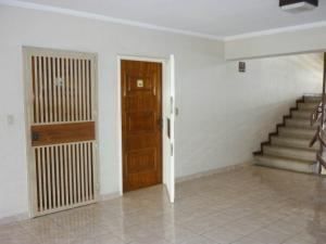 Apartamento En Venta En Maracay - Urbanizacion El Centro Código FLEX: 19-1177 No.5