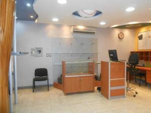 En Venta En Maracay - Avenida Bolivar Código FLEX: 19-1181 No.5