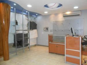 En Venta En Maracay - Avenida Bolivar Código FLEX: 19-1181 No.6
