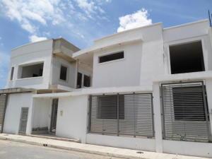 Casa En Venta En Maracay - Villas Ingenio I Código FLEX: 19-1227 No.1
