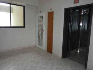 Apartamento En Venta En Maracay - San Jacinto Código FLEX: 19-1196 No.5