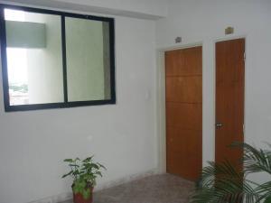 Apartamento En Venta En Maracay - San Jacinto Código FLEX: 19-1196 No.8