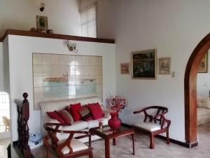 Casa En Venta En Maracay - El Castano (Zona Privada) Código FLEX: 19-1238 No.2