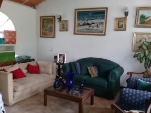 Casa En Venta En Maracay - El Castano (Zona Privada) Código FLEX: 19-1238 No.4