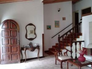 Casa En Venta En Maracay - El Castano (Zona Privada) Código FLEX: 19-1238 No.13