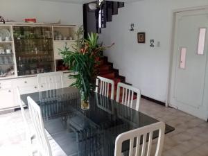 Casa En Venta En Maracay - El Castano (Zona Privada) Código FLEX: 19-1238 No.7