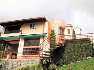 Casa En Venta En Caracas - Oripoto Código FLEX: 19-1235 No.0