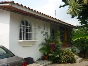 Casa En Venta En Maracay - El Castano (Zona Privada) Código FLEX: 19-1238 No.0