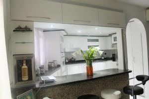 Apartamento En Venta En Caracas - El Paraiso Código FLEX: 19-1280 No.1