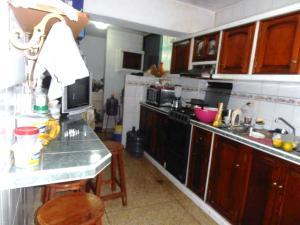 En Venta En Maracay - Avenida Constitucion Código FLEX: 19-1306 No.1