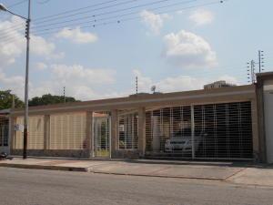 Casa En Venta En Maracay - San Jacinto Código FLEX: 19-1343 No.1