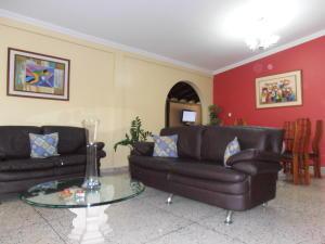 Casa En Venta En Maracay - San Jacinto Código FLEX: 19-1343 No.2