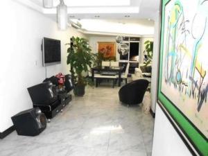 Apartamento En Venta En Maracay - La Soledad Código FLEX: 19-1368 No.1