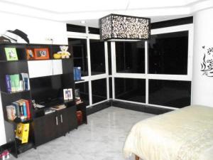 Apartamento En Venta En Maracay - La Soledad Código FLEX: 19-1368 No.8