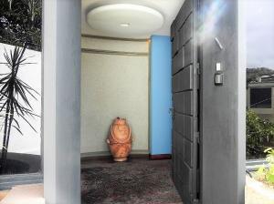 Casa En Venta En Caracas - El Marques Código FLEX: 19-1404 No.1