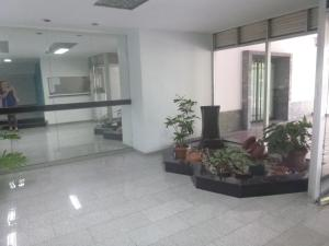 Oficina En Venta En Caracas - Santa Eduvigis Código FLEX: 19-1423 No.2