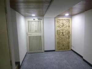 Oficina En Venta En Caracas - Santa Eduvigis Código FLEX: 19-1423 No.5