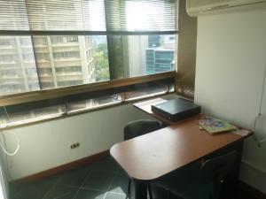 Oficina En Venta En Caracas - Santa Eduvigis Código FLEX: 19-1423 No.17